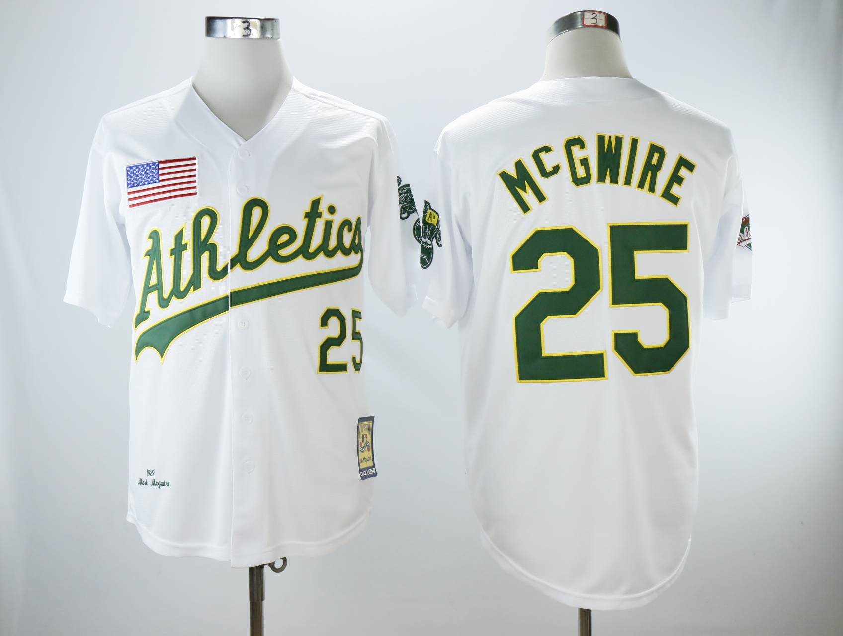Men's Oakland Athletics #25 Mark McGwire White 1989 Throwback Stitched MLB Jersey