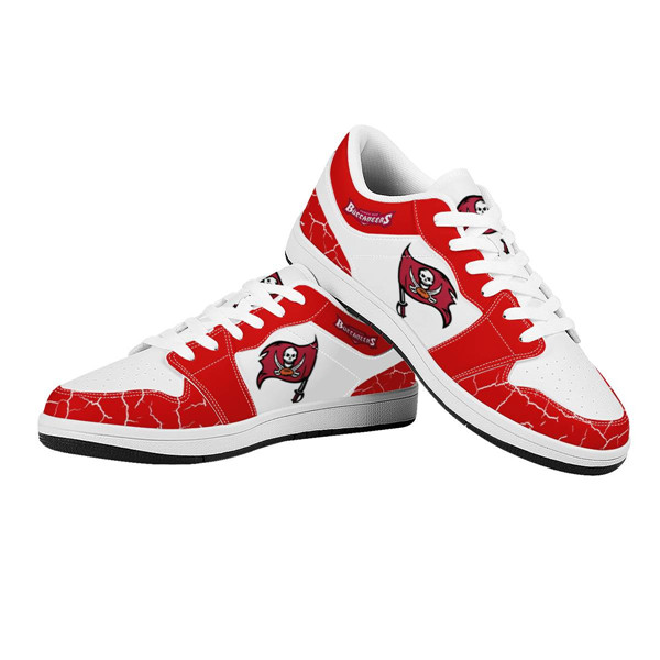 Women's Tampa Bay Buccaneers AJ Low Top Leather Sneakers 001