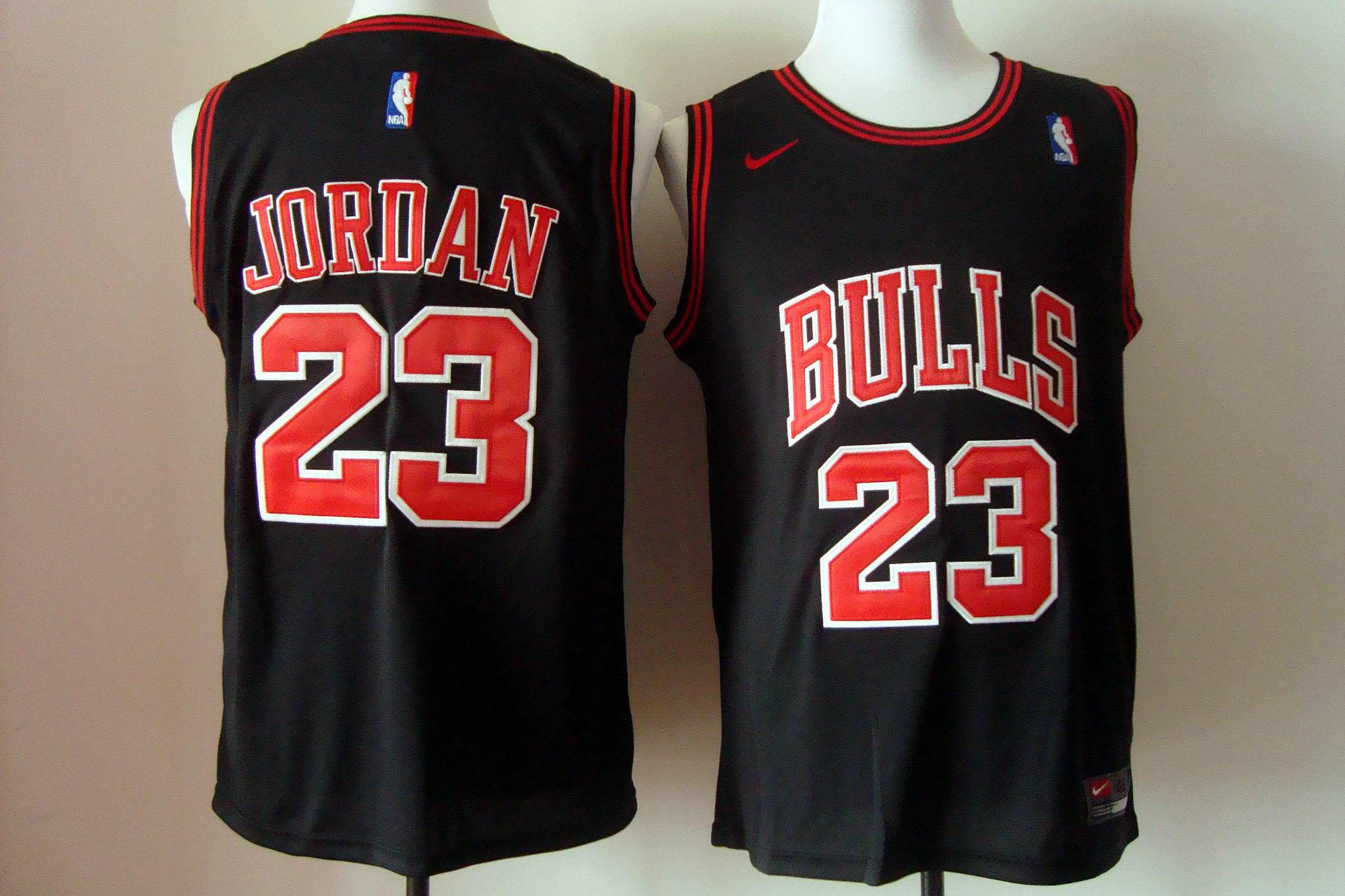 Men's Nike Chicago Bulls #23 Michael Jordan Black Stitched NBA Jersey