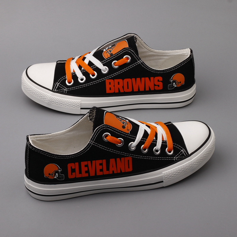 Men's NFL Cleveland Browns Repeat Print Low Top Sneakers